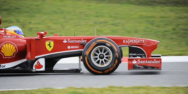 Fernando Alonso en los entrenamientos de Montmeló