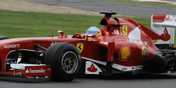 Fernando Alonso termina tercero en Silverstone