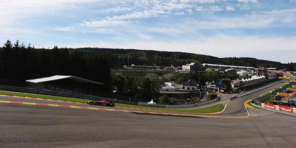 Vettel lideró los Libres 2 en Spa