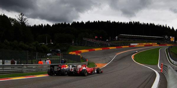 Sebastian Vettel se aleja siete puntos más de Alonso
