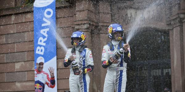Sebastien Ogier gana el Rallye de Francia