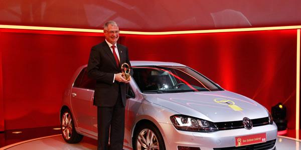 El Volkswagen Golf gana el Volante de Oro 2013