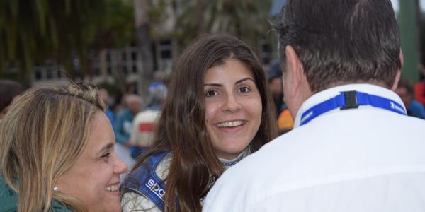 Emma Falcón, en el centro de la imagen