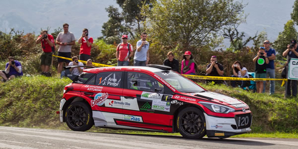 Iván Ares gana el Rallye Villa de Llanes 2017