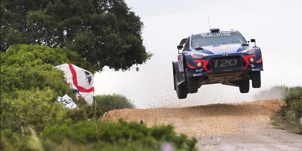 Thierry Neuville llega líder del campeonato de pilotos