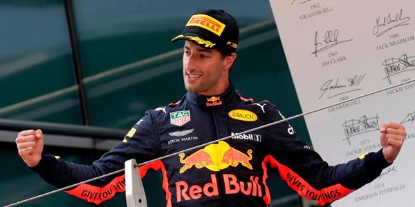 Ricciardo ficha por Renault por dos años