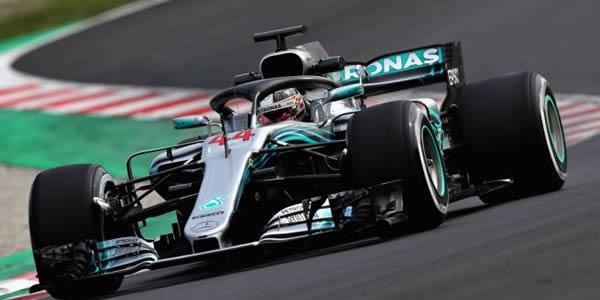 Hamilton gana a Ferrari en Monza