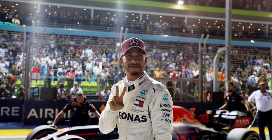 Hamilton aumenta su ventaja en Singapur