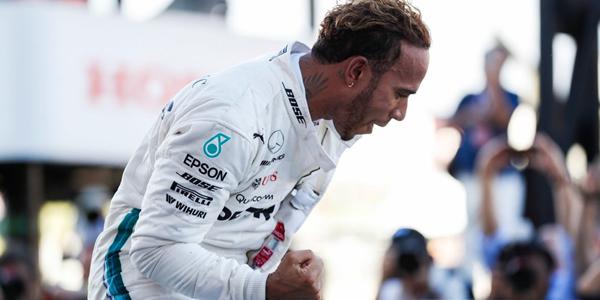 Hamilton gana en Japón y acaricia su 5º mundial
