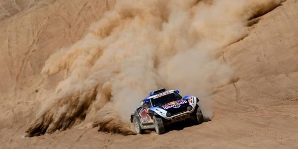 No está siendo el Dakar para Carlos Sainz