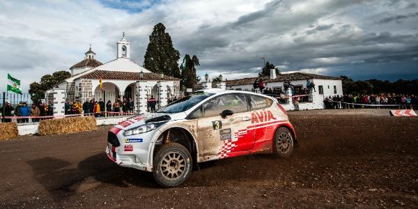 Gorka Eizmendi a por todas en el Rallye de Navarra