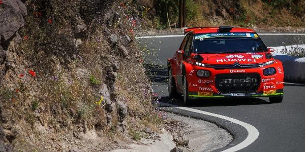 López-Rozada se quedan solos liderando el Rally Islas Canarias