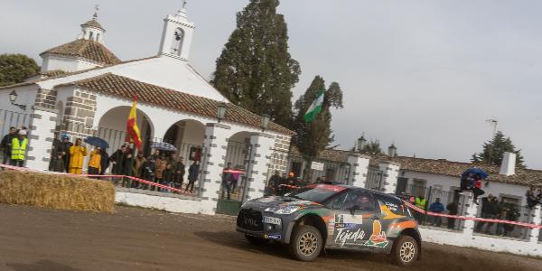 Quintana y Peñate rumbo al Rallye de Astorga