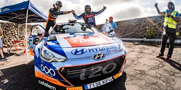 Yeray Lemes y Rogelio Peñate. Foto: Fuertwagen Motorsport