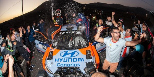 Yeray Lemes y Rogelio Peñate. Foto: Hyundai Canarias