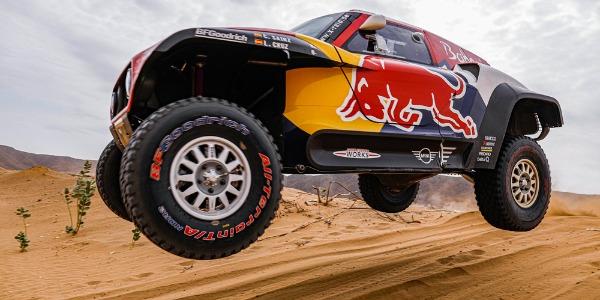 Comienza la lucha por los tiempos del Rally Dakar 2020