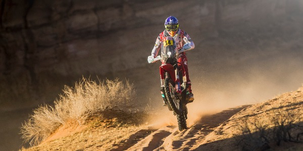 Laia Sanz cambia de táctica para sobrevivir en el Dakar 2020