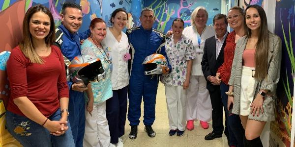 El equipo JC Quintana Motorsport visita el Hospital Materno Infantil