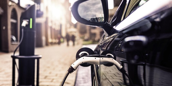 Arval responde preguntas sobre baterías de vehículos electrificados