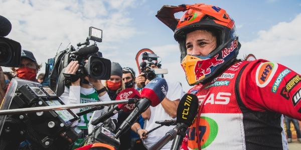 Laia Sanz tira de épica y consigue su Rally Dakar 11 de 11