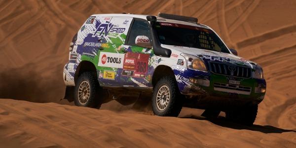 Joan Font finaliza su segundo Dakar en coches