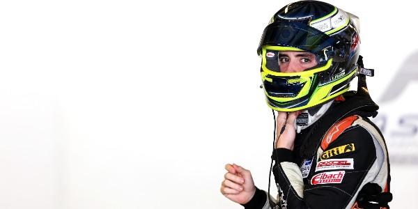 Lorenzo Fluxá roza el podio en la FIA F3 Asia