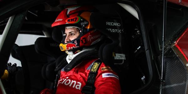 Laia Sanz debutará sobre cuatro ruedas en la Baja Dubái