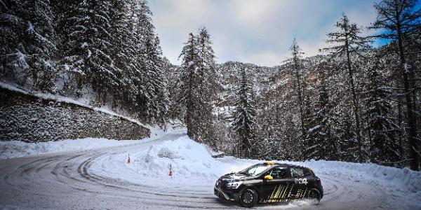 Sergio Fuentes, con un Renault Clio Rally4