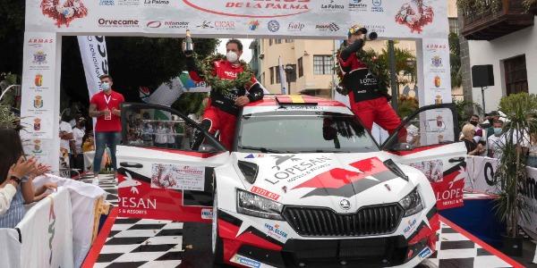 Monzón y Déniz estrenan el Skoda Fabia Rally2 Evo