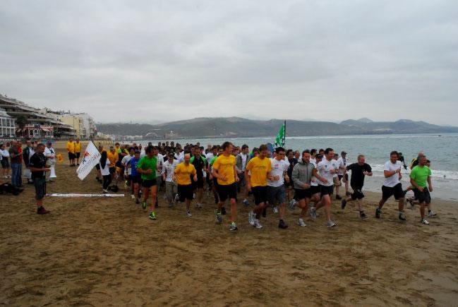 Maratón en la Playa de Las Canteras por Japón